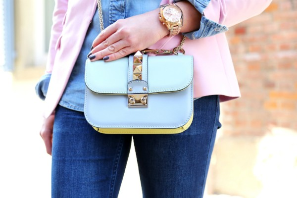 Η περίεργη τσάντα που έχει τρελάνει όλες τις fashion bloggers και όχι μόνο (Photos)