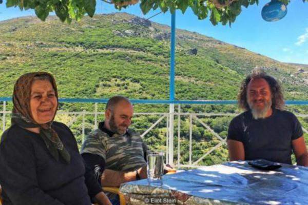 Μοναδικό αφιέρωμα του BBC στην ελληνική σφυριχτή γλώσσα που σβήνει στον χρόνο! (Photos+video)