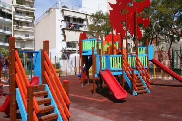 Στοιχεία που προκαλούν σοκ: Μόνο 2 από τις 70 παιδικές χαρές είναι νόμιμες στο Δήμο Αθηναίων!