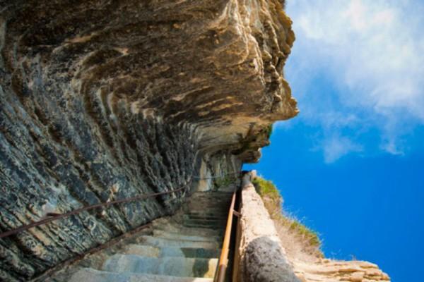 Η φωτογραφία της Ημέρας: Σκάλα με κατεύθυνση το... άγνωστο!