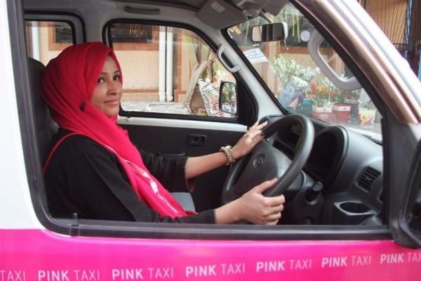 Πακιστάν: Αυτά είναι τα ροζ ταξί που μεταφέρουν τις γυναίκες με ασφάλεια! (Video)