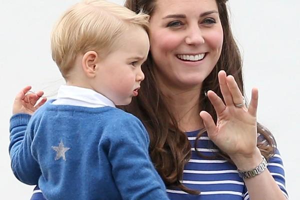 Ο πρίγκηπας Τζόρτζ ξεκινά σχολείο και η Κέιτ Μίντλετον τον προετοιμάζει γι αυτό!
