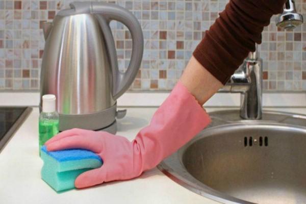 Ένα έξυπνο και πρακτικό κόλπο για να μην μυρίζει ο νεροχύτης σας! - Θα σας λύσει τα χέρια!