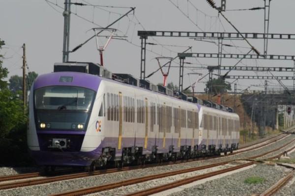 Τραγωδία στα Οινόφυτα: Φαντάρος περπατούσε στις ράγες και παρασύρθηκε από τρένο