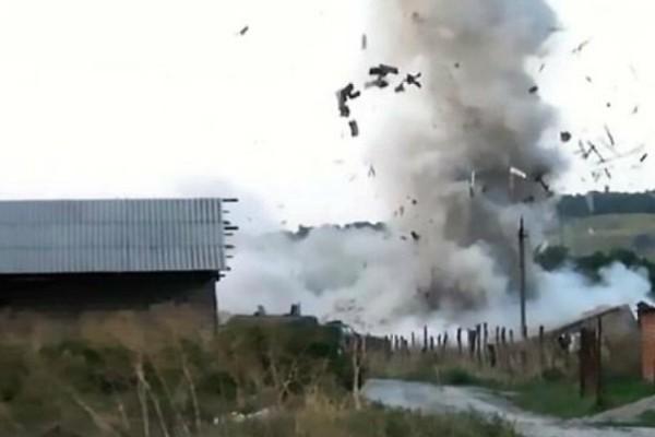 Ανατριχιαστικό video: Τρομοκράτες στη Ρωσία ανατινάζονται για να μην παραδοθούν!