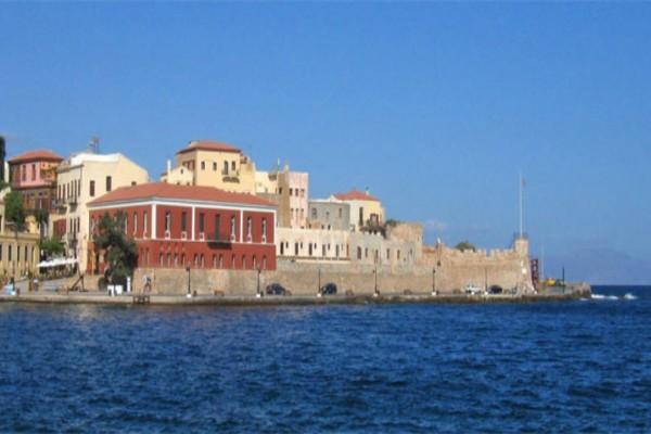 Ανατριχιαστικό θέαμα στα Χανιά: Πτώμα γυναίκας έπλεε σε γνωστή παραλία!