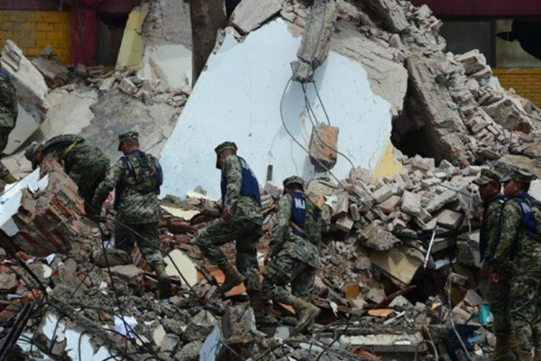 Τρόμος στο Μεξικό από τον φονικό σεισμό: 61 νεκροί και 200 τραυματίες!