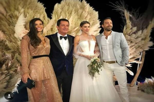 Γάμος Τούρκου παραγωγού Survivor στο Saint Tropez: Η εμφάνισή του Σάκη Τανιμανίδη και της Χριστίνας Μπόμπα που μαγνήτισαν τα βλέμματα!