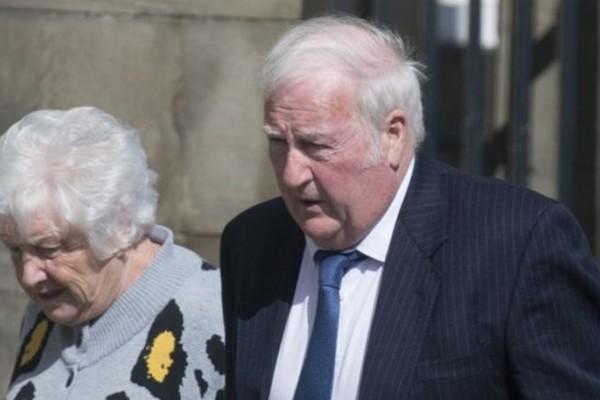Δεν θα πιστεύετε τι έκανε ζευγάρι ηλικιωμένων στη Σκωτία: Τους επιβλήθηκε πρόστιμο 4,500€ ως ποινή!