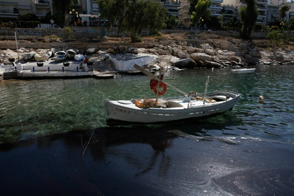 Η απάντηση της πλοιοκτήτριας εταιρείας για τη βύθιση στο Σαρωνικό: «Λυπούμαστε αλλά ήταν αξιόπλοο το δεξαμενόπλοιο»