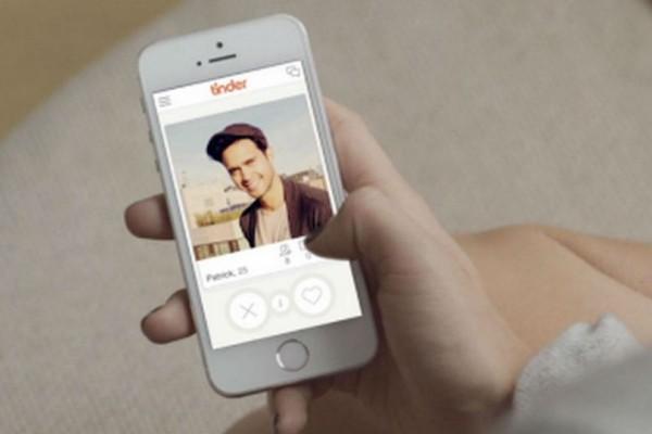 Tinder: Τι αλλάζει στη Νο1 εφαρμογή για ραντεβού;