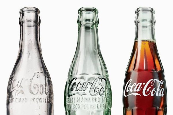 Το γνωρίζατε; Για ποιο λόγο η Coca Cola είναι μια γευστική μέσα στο μπουκάλι;