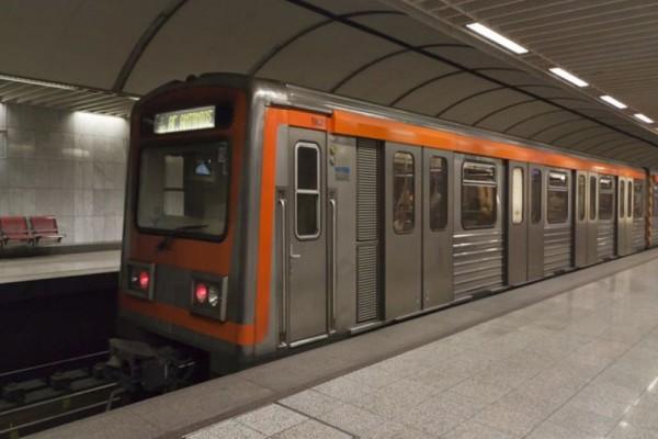 Έκτακτο: Νεκρός άνδρας που έπεσε στις ράγες του Μετρό στο Πανεπιστήμιο!