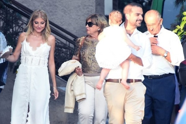 Ράνια Τζίμα - Γαβριήλ Σακελλαρίδης: Δείτε φωτογραφίες από την βάπτιση της κόρης τους!