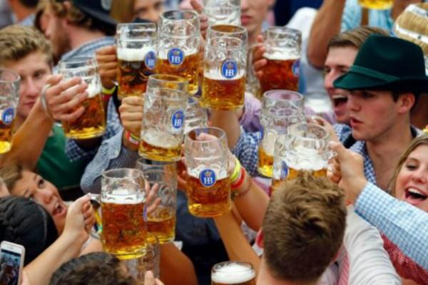 Oktoberfest: Η γιορτή που «φέρνει» το Μόναχο... στην Αθήνα!