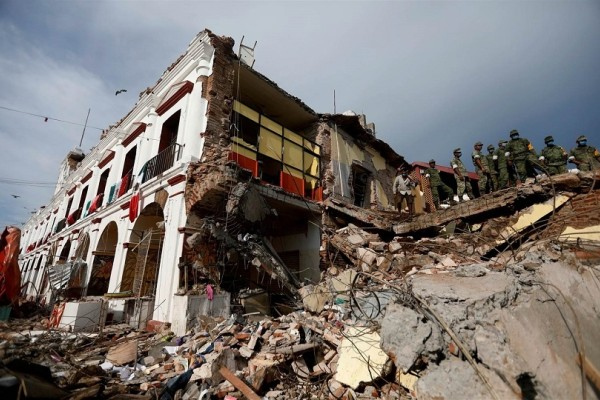 Φονικός σεισμός στο Μεξικό: Ελάχιστες οι ελπίδες για επιζώντες - Στους 319 οι νεκροί