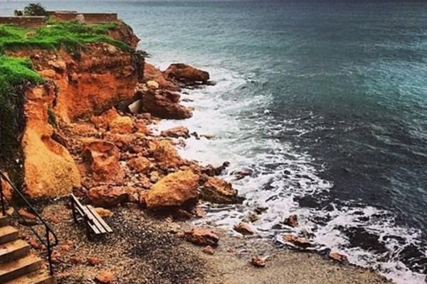 Βάρη - Βούλα - Βουλιαγμένη: Καθαρά τα νερά στις παραλίες, λέει ο Δήμος!
