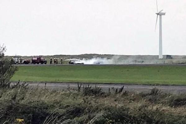Σοκαριστικό video με την πτώση αεροσκάφους στην Ουαλία: Νεκρός ο πιλότος!