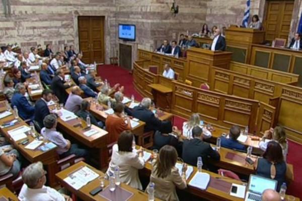 Απίστευτος τσακωμός Μητσοτάκη- Κουρουμπλή στην Βουλή: Ψεύδεστε, ντροπή σας! - Δεν θα παραιτηθώ ποτέ!