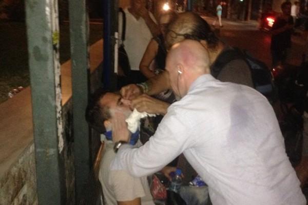 Επιτέθηκαν σε τηλεοπτικό συνεργείο στη Δραπετσώνα: Τραυματίστηκαν οπερατέρ και δημοσιογράφος!