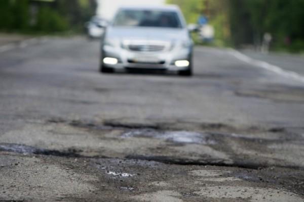 Ετοιμαστείτε για τους δρόμους που θα φορτίζουν το αυτοκίνητό σας!
