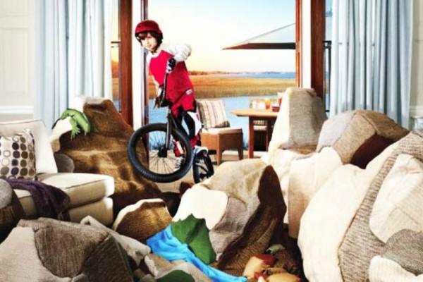 Μην αφήνετε τα παιδιά μόνα στο σπίτι: Μπορεί να την πληρώσετε ακριβά! (photos)