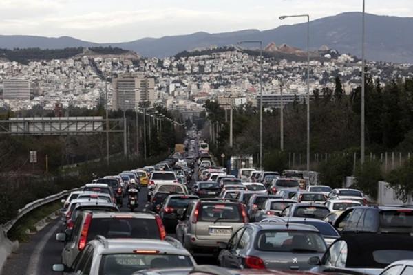 Κυκλοφοριακό κομφούζιο: Ποιοι δρόμοι της Αθήνας έχουν απίστευτη κίνηση αυτή την ώρα!