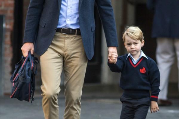 Οι Βρετανοί τα έχουν... «παίξει»!  Έψαξαν και.. βρήκαν τη συμμαθήτρια που θα γίνει το κορίτσι του πρίγκιπα Τζόρτζ!
