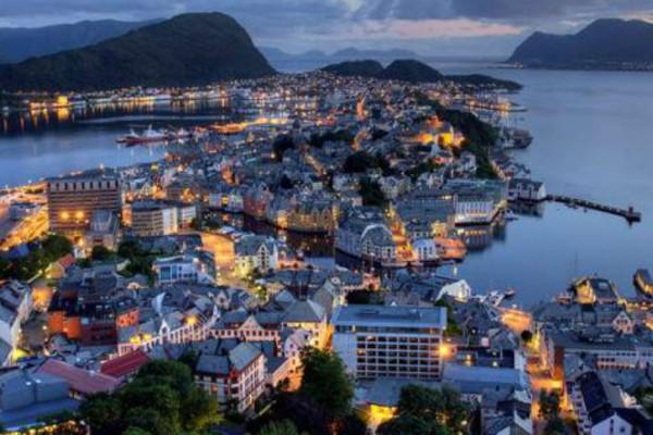 Μακάρι να ζούσαμε εκεί! Η χώρα που έχει εξασφαλίσει 190.000 δολάρια για κάθε πολίτη της;
