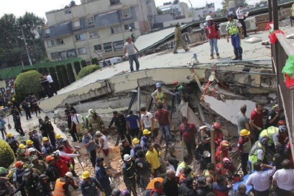Τα 4 βίντεο που σόκαραν τον πλανήτη από τον φονικό σεισμό στο Μεξικό