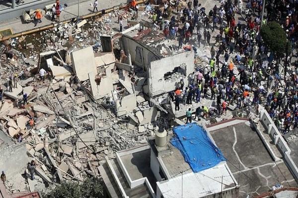 Σεισμός στο Μεξικό: Κόπηκε στα δύο η κερκίδα του εμβληματικού σταδίου Αζτέκα! (Video)
