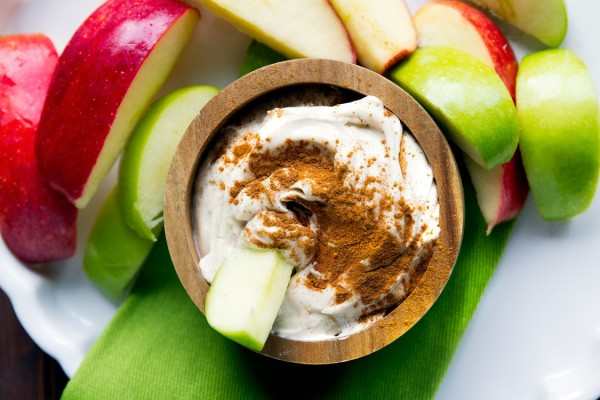 To πιο γρήγορο και εύκολο γλυκό που μπορείτε να φτιάξετε με μήλα και ζάχαρη!