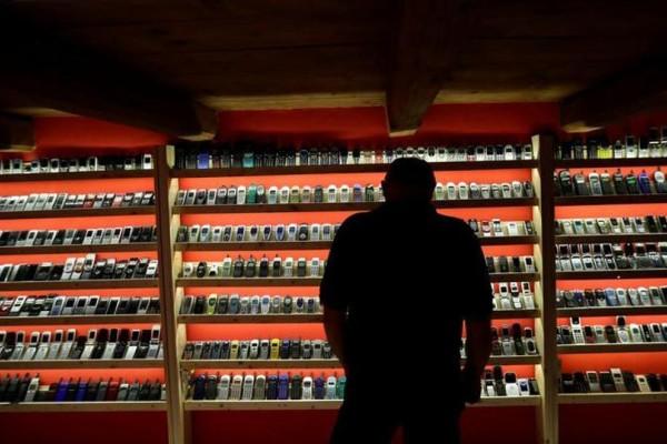 Υπάρχει Μουσείο vintage κινητών: Δείτε συσκευές που δεν ξέρατε ότι υπάρχουν! (video-photos)