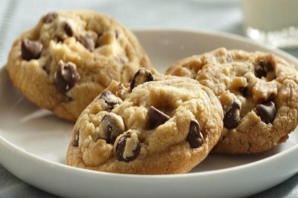 Μια εύκολη και γρήγορη συνταγή: Φτιάξτε αφράτα μπισκότα βανίλιας με αμύγδαλα