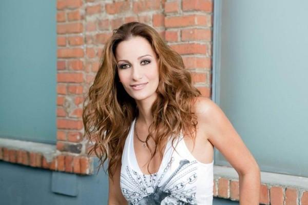 Δέσποινα Ολυμπίου: Οι πρώτες φωτογραφίες της τραγουδίστριας από το μαιευτήριο! (Photo)