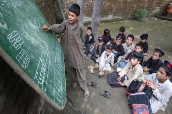 Περιστατικό που σοκάρει: Μουσουλμάνοι μαθητές χτύπησαν μέχρι θανάτου έναν χριστιανό επειδή ήπιε νερό από το ίδιο ποτήρι!