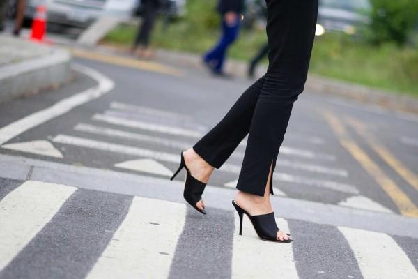 Αυτά είναι τα παπούτσια του επόμενου καλοκαιριού: Σίγουρα θα τα βολευτούμε όλες!