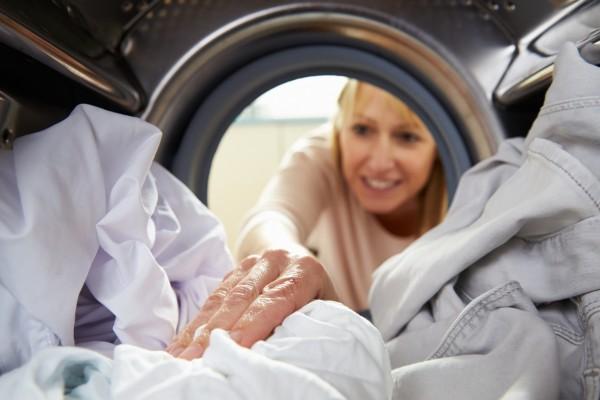 Αυτά είναι τα 3 πιο σοβαρά λάθη που κάνεις και καταστρέφουν την μπουγάδα σου!