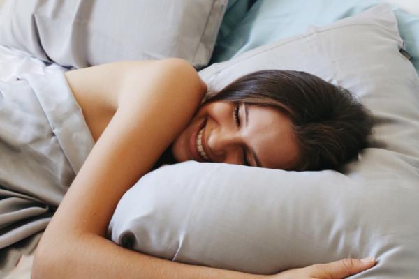 Κοιμάστε γυμνοί; Διαβάστε και ξανασκεφτείτε το σοβαρά!