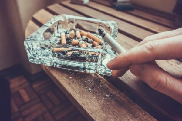 Πως μπορείς να απαλλαχθείς από την μυρωδιά του τσιγάρου στο σπίτι και να καθαρίσεις την ατμόσφαιρα!