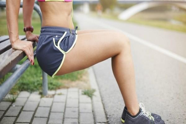 Πώς θα κάψεις το λίπος: Μια εύκολη και γρήγορη άσκηση για να γυμνάσεις το εσωτερικό των μηρών σου!