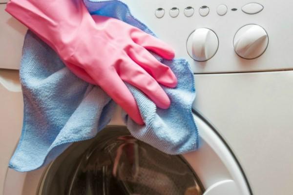 Ο εύκολος τρόπος για να απολυμάνετε το πλυντήριο ρούχων και πιάτων!
