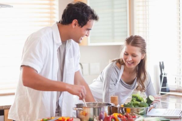 Ζώδια και σπίτι: Ποιοι άντρες του ζωδιακού θα βοηθήσουν στο νοικοκυριό;