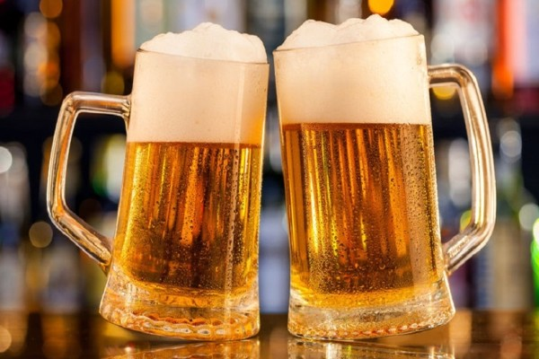 Ένα εύκολο και γρήγορο κόλπο για να παγώσετε μια μπύρα μέσα σε 3 λεπτά!
