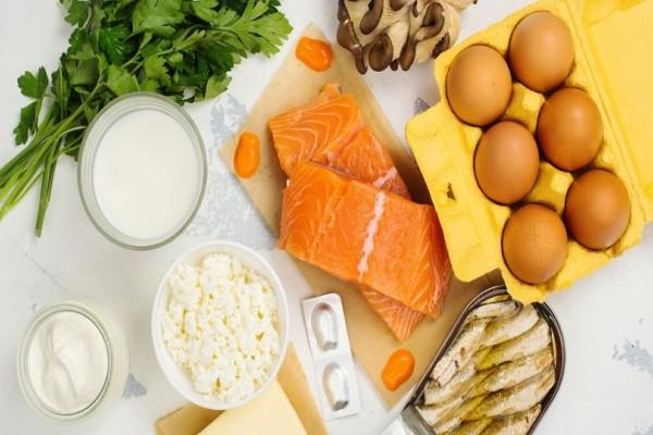 Ποιες τροφές θα πρέπει να καταναλώνεις εάν έχεις έλλειψη βιταμίνης D