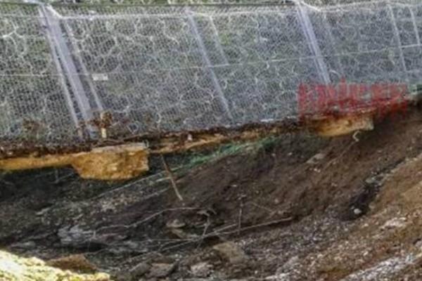 Έβρος:  Έσκαψαν τρύπα κάτω από τον φράχτη - Πέρασμα για μετανάστες και πρόσφυγες!