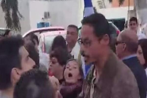 Χαμός στην Σαντορίνη: Ακυρώθηκε η παρέλαση επειδή η σημαιοφόρος ήταν από την Αλβανία! (video)