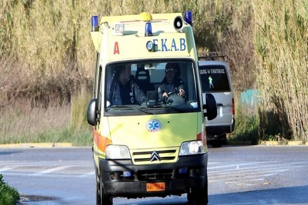 Απίστευτη σύγκρουση μοτοσικλέτας με ΙΧ στη Θεσσαλονίκη με έναν τραυματία
