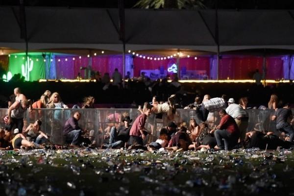 Αιματηρή επίθεση Λας Βέγκας: Από θαύμα έζησε μια γυναίκα - Την έσωσε το κινητό της! (Photo)