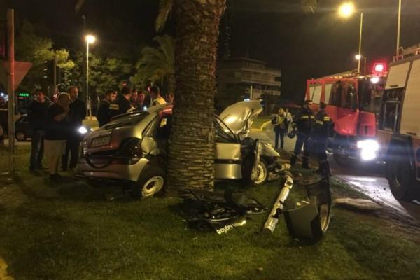 Ακόμα ένα σοβαρό τροχαίο τα ξημερώματα της Κυριακής στη λεωφόρο Βουλιαγμένης! Σοκάρουν οι φωτογραφίες από το ατύχημα...